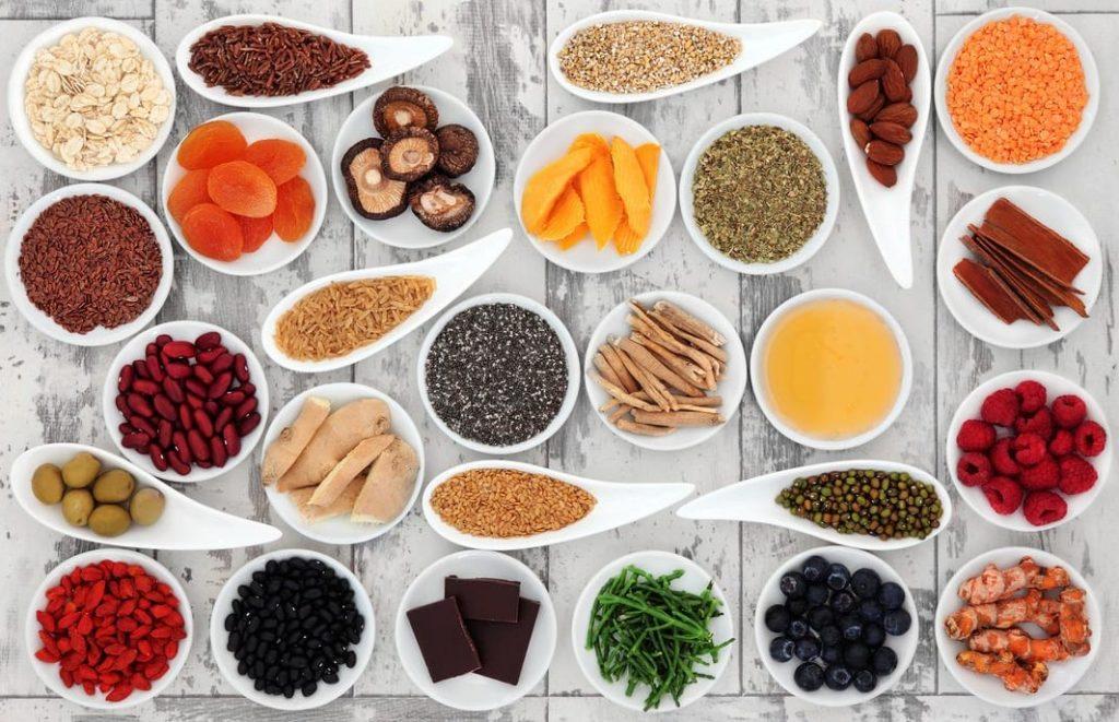 super-aliments superaliments miel manuka curcuma spiruline acai