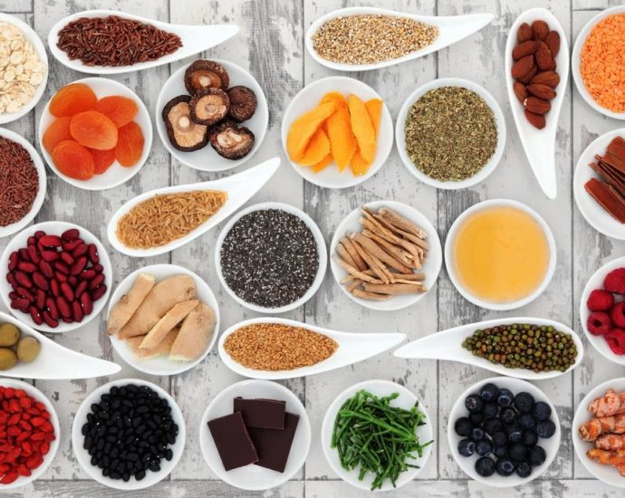 super aliments superaliments miel manuka curcuma spiruline acai