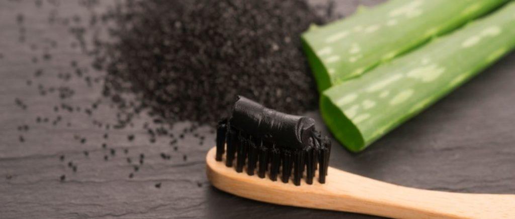 tout savoir sur le dentifrice au charbon